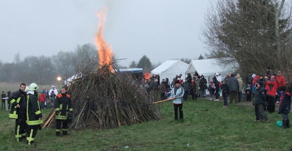 Rostocker Osterfeuer in Dierkow