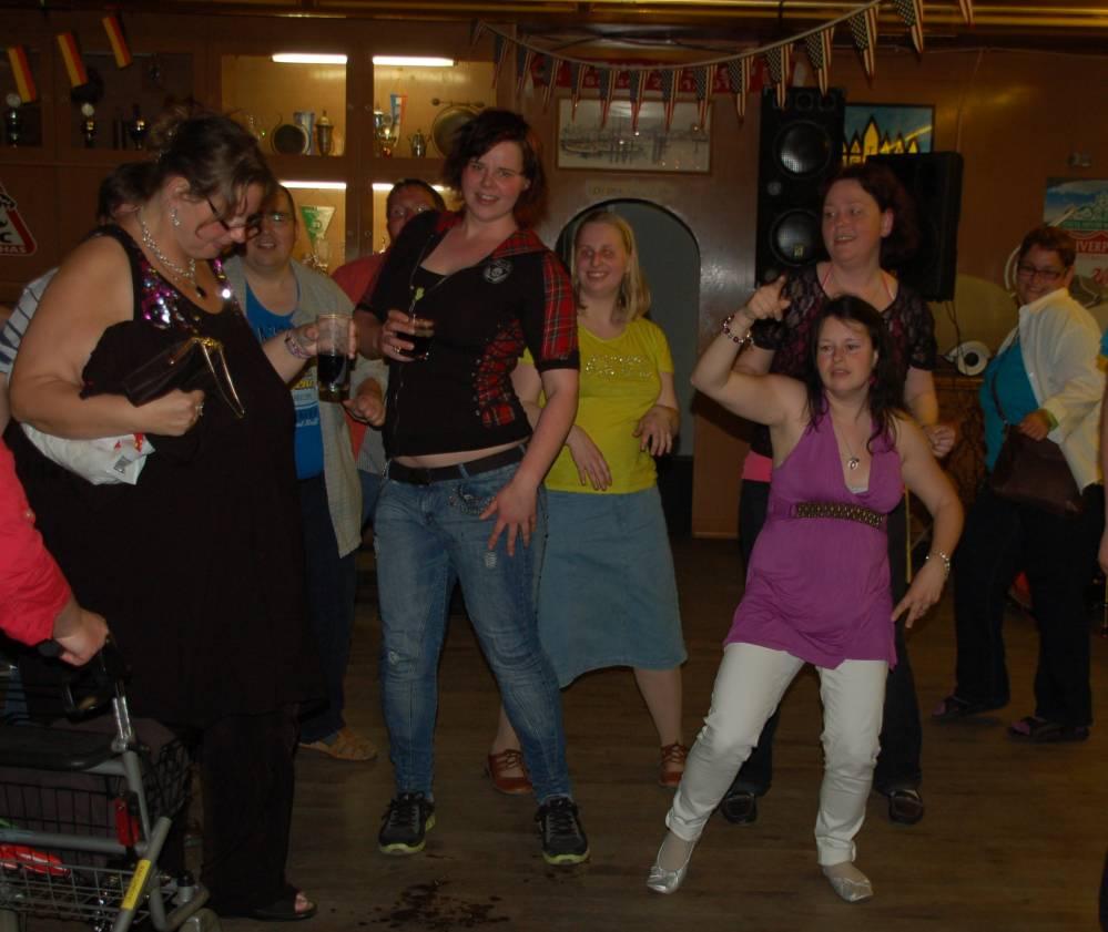 Tanzabend nicht nur für für Menschen mit Handicap im Rostocker Hansaviertel